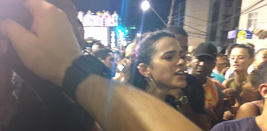 bruna-marquezine-salvador2